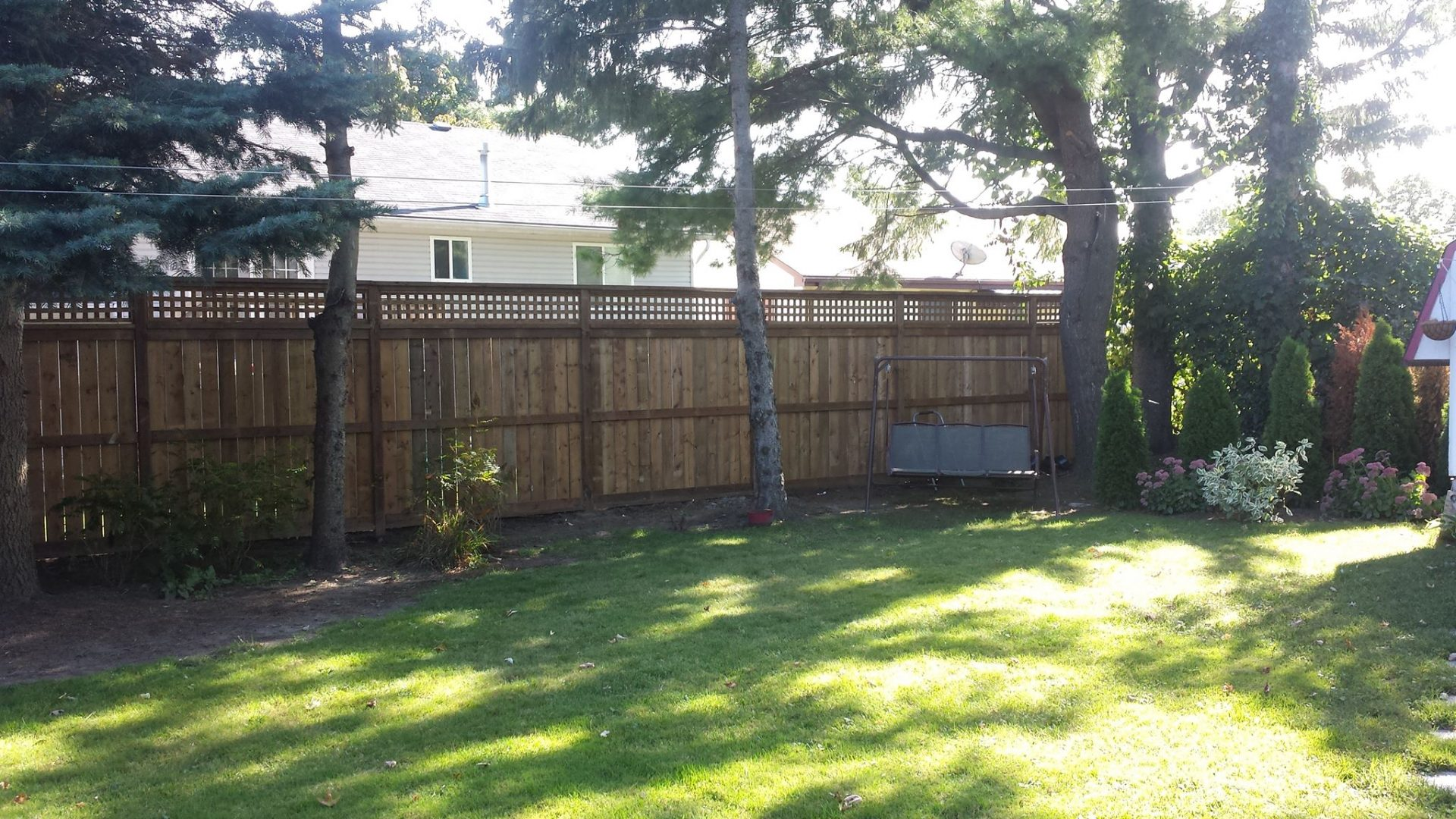Vertical Style Fence with Lattice