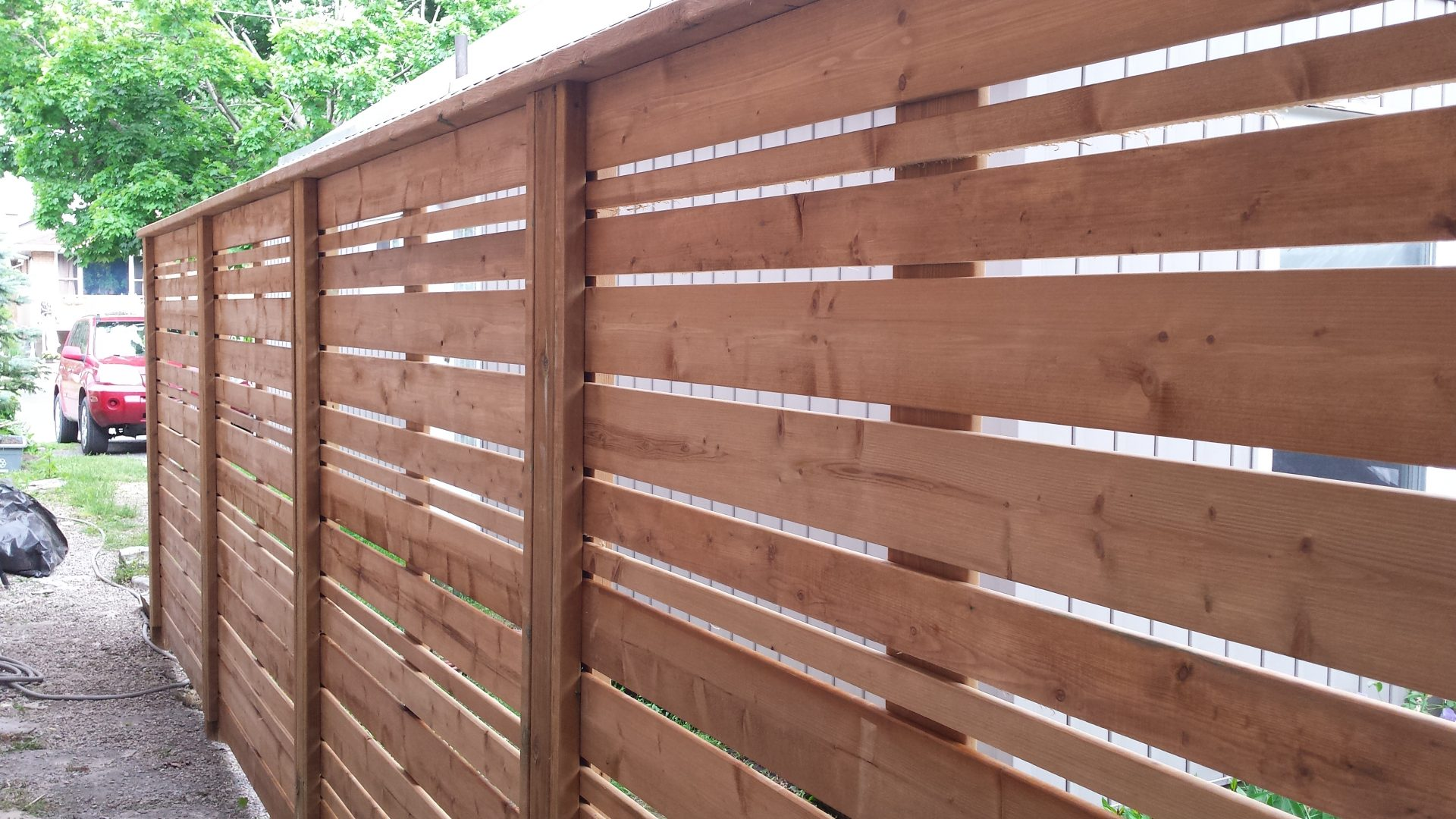 Horizontal Fence in Sienna Brown